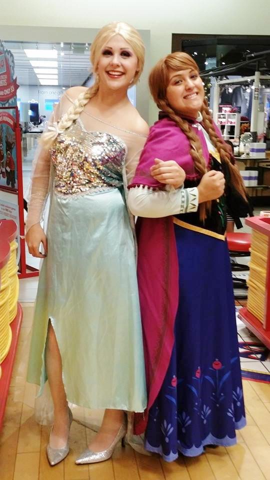 Anna and Elsa at Build A Bear Workshop