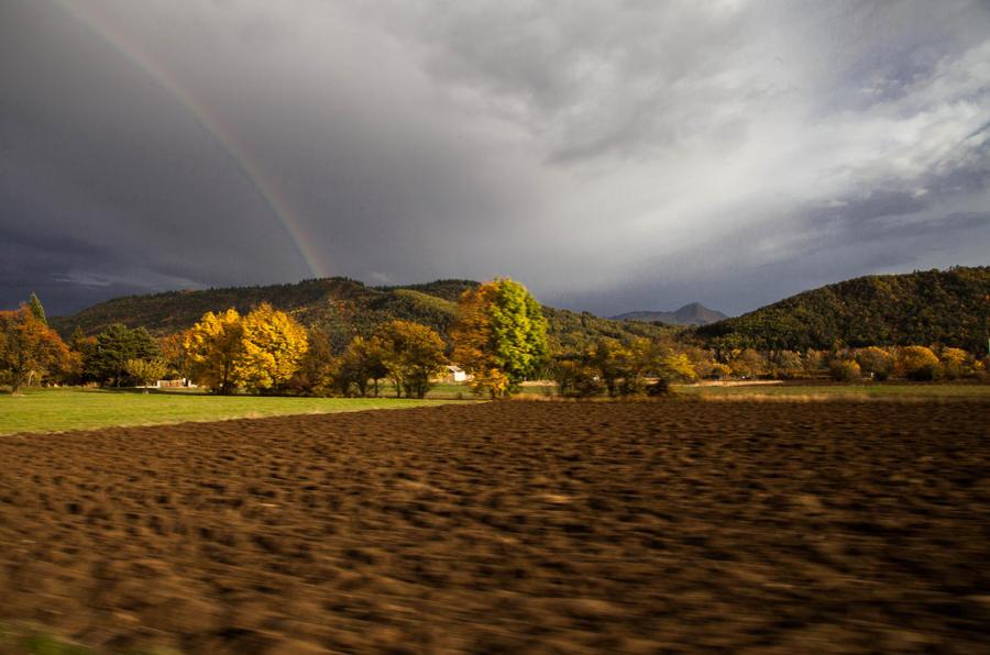 L'automne en octobre. by Athanase