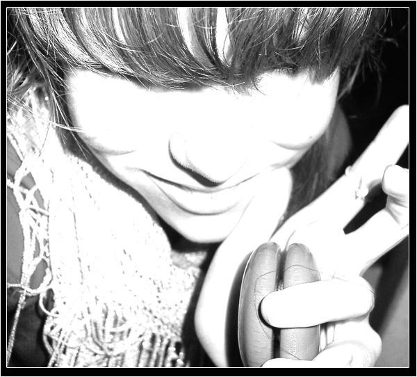 http://fc09.deviantart.net/fs4/i/2004/265/2/a/___yoyo___by_puffyshrimp.jpg