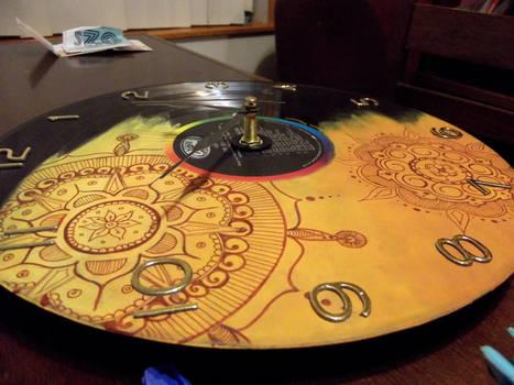 COM: Mandala Vinyl Record Clock