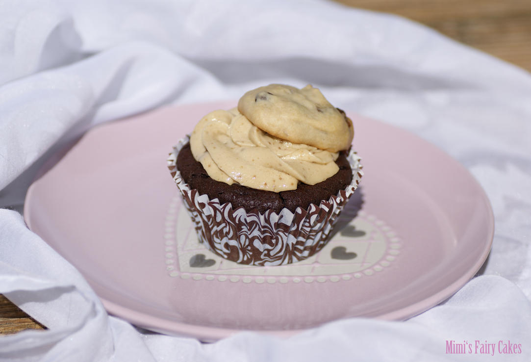 Cookie Inside Cupcake by Cailleanne