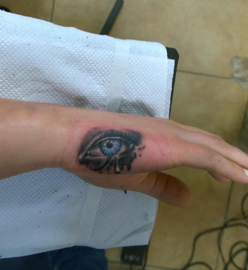the eye of ra by karlinoboy