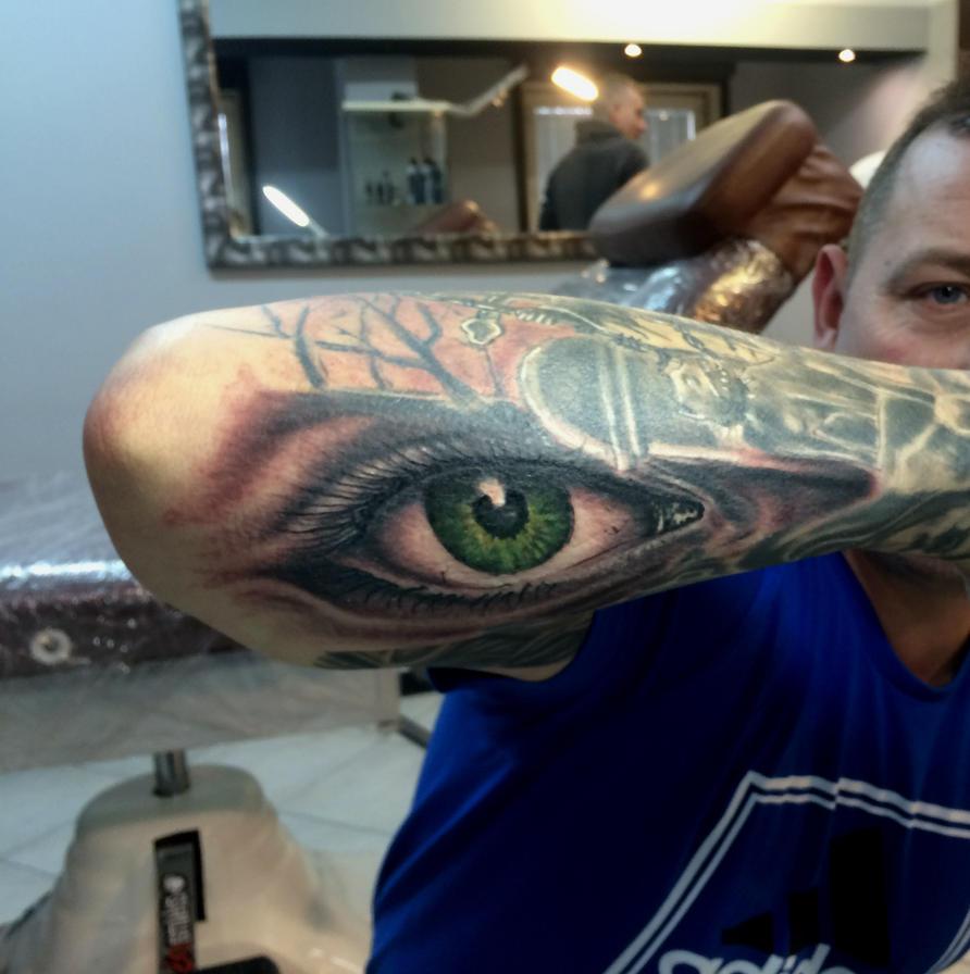 eye filler by karlinoboy