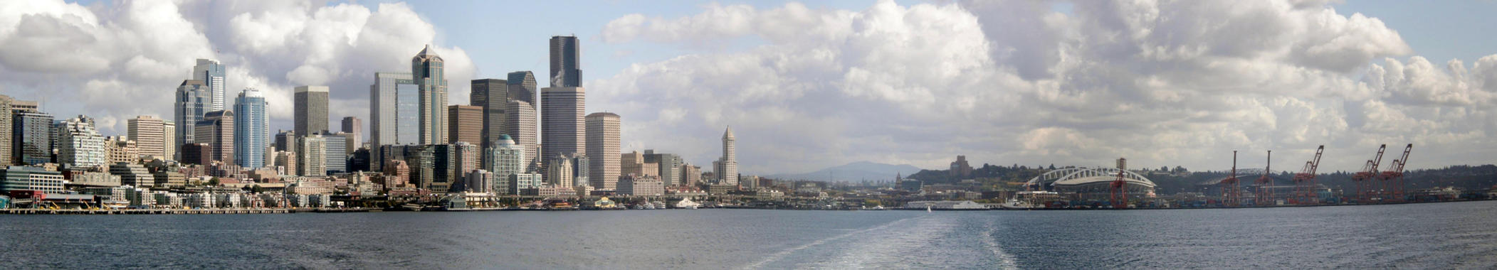 Seattle from Bainbridge Ferry by Mauser712