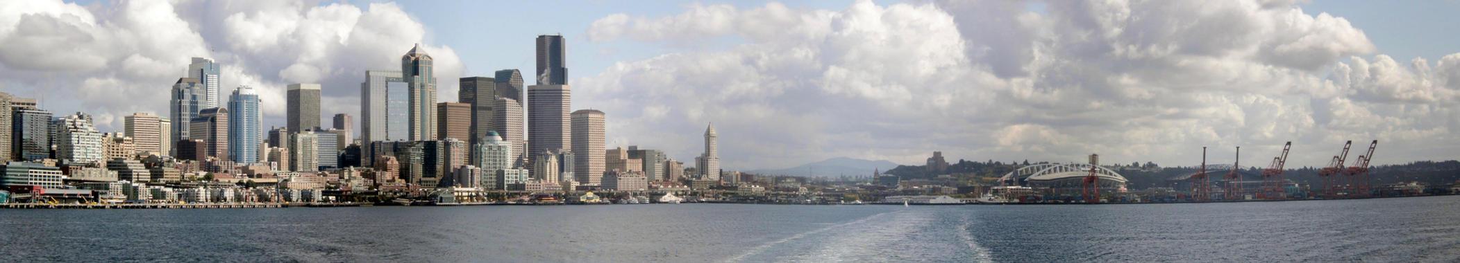 Seattle from Bainbridge Ferry by Mauser712