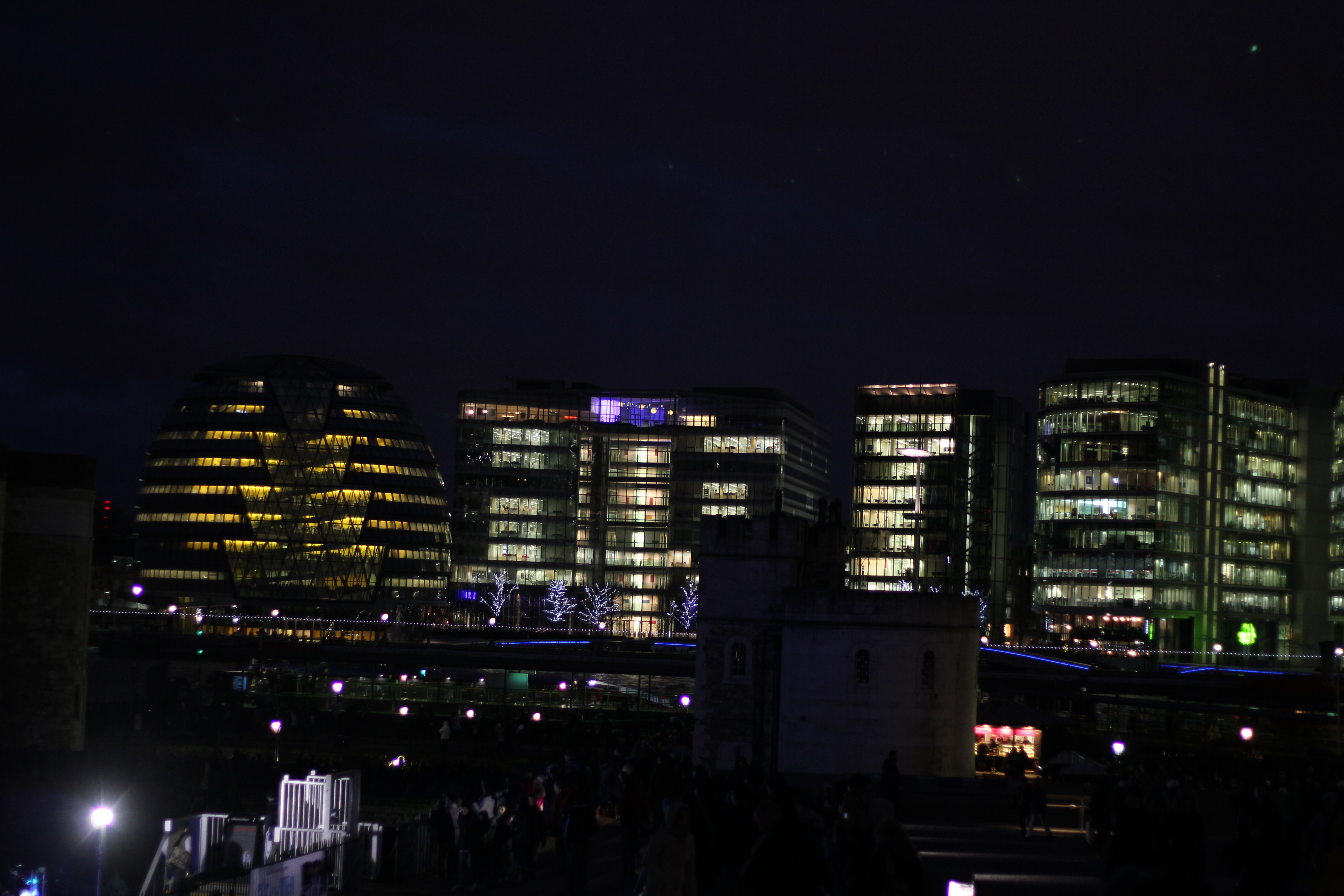 London by Night by Wfate