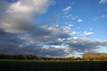 Threatening sky V by Arayashikinoshaka