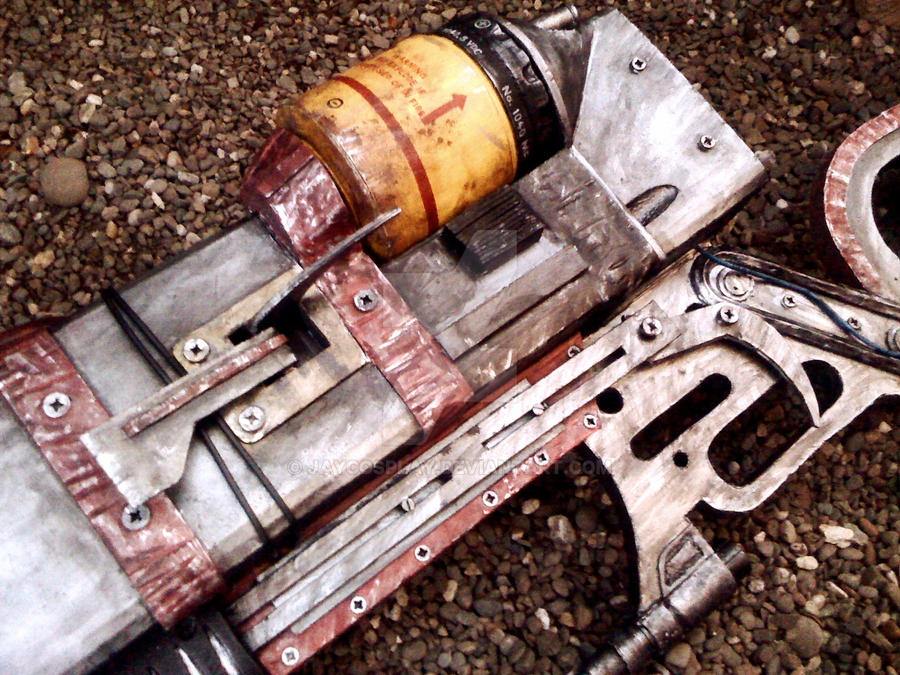 aer14 prototype laser rifle detail view by jaycosplay on deviantart