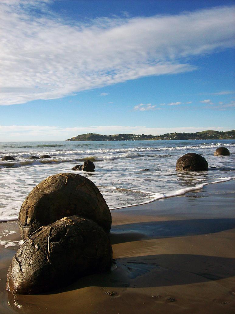 Moeraki Boulders by jbritz22