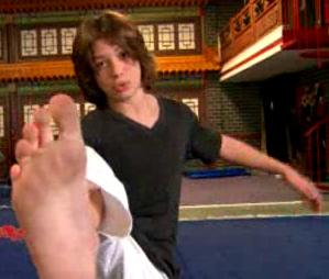 Leo Howard feet by tickletk