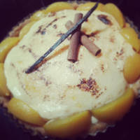 Cinnamon chiboust tart with caramelized peaches
