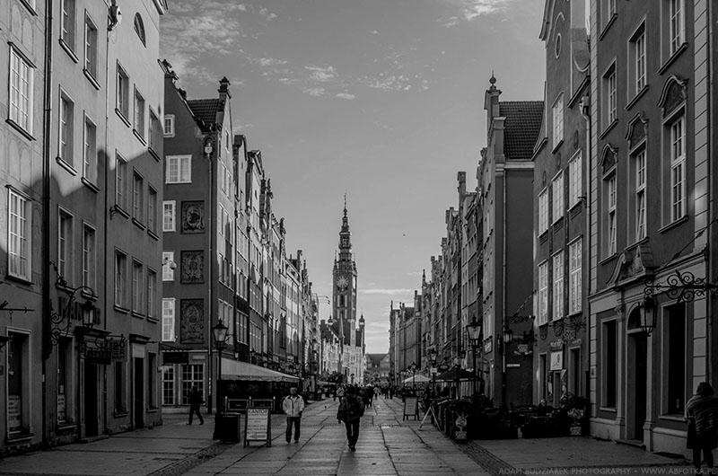 Long Lane in Gdansk (BW) by parsek76