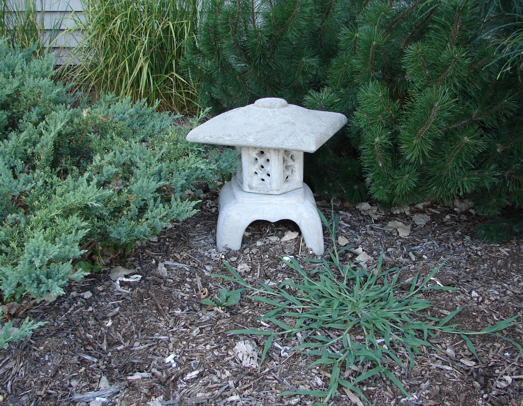 japanese garden statuary