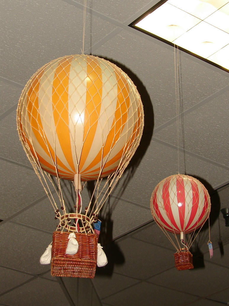 Images Of Old Fashioned Hot Air Balloons