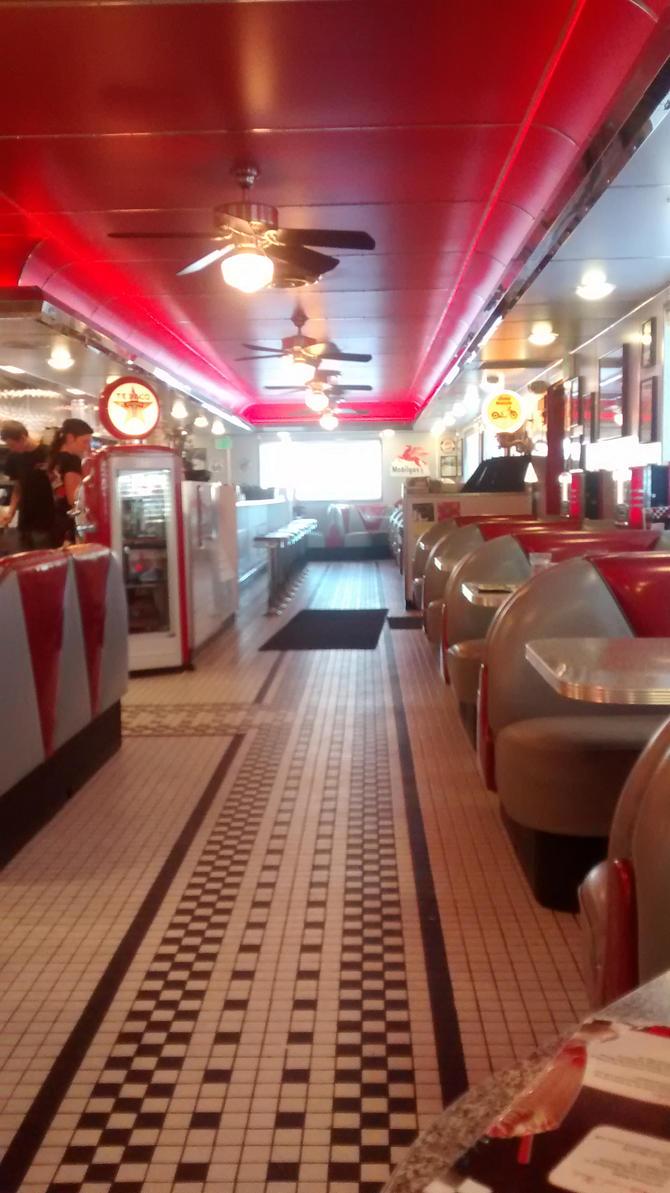 Thanksgiving Trip: Dixies Diner 9-12 by BansheeTK