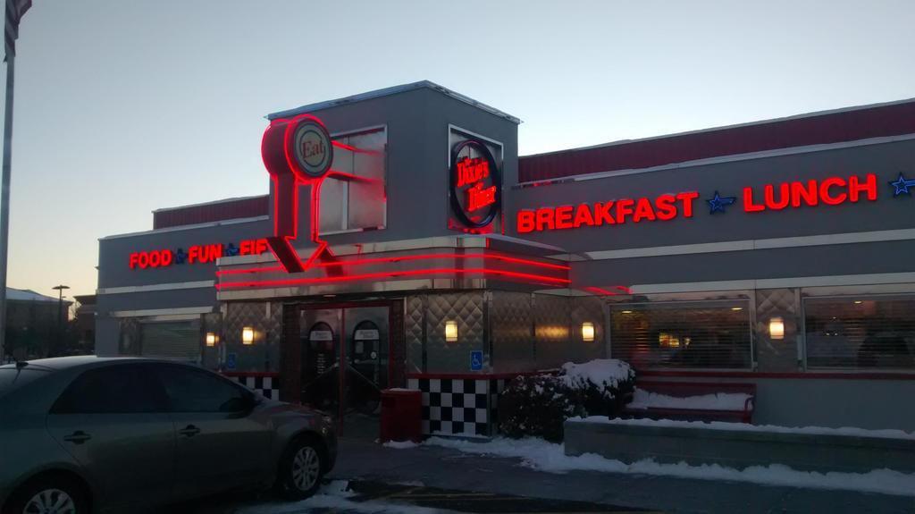 Thanksgiving Trip: Dixies Diner 10-12 by BansheeTK