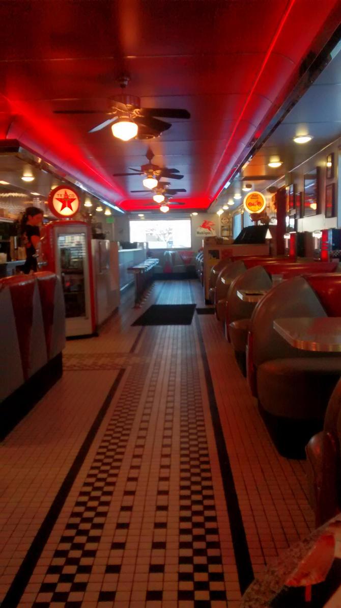 Thanksgiving Trip: Dixies Diner 12-12 by BansheeTK
