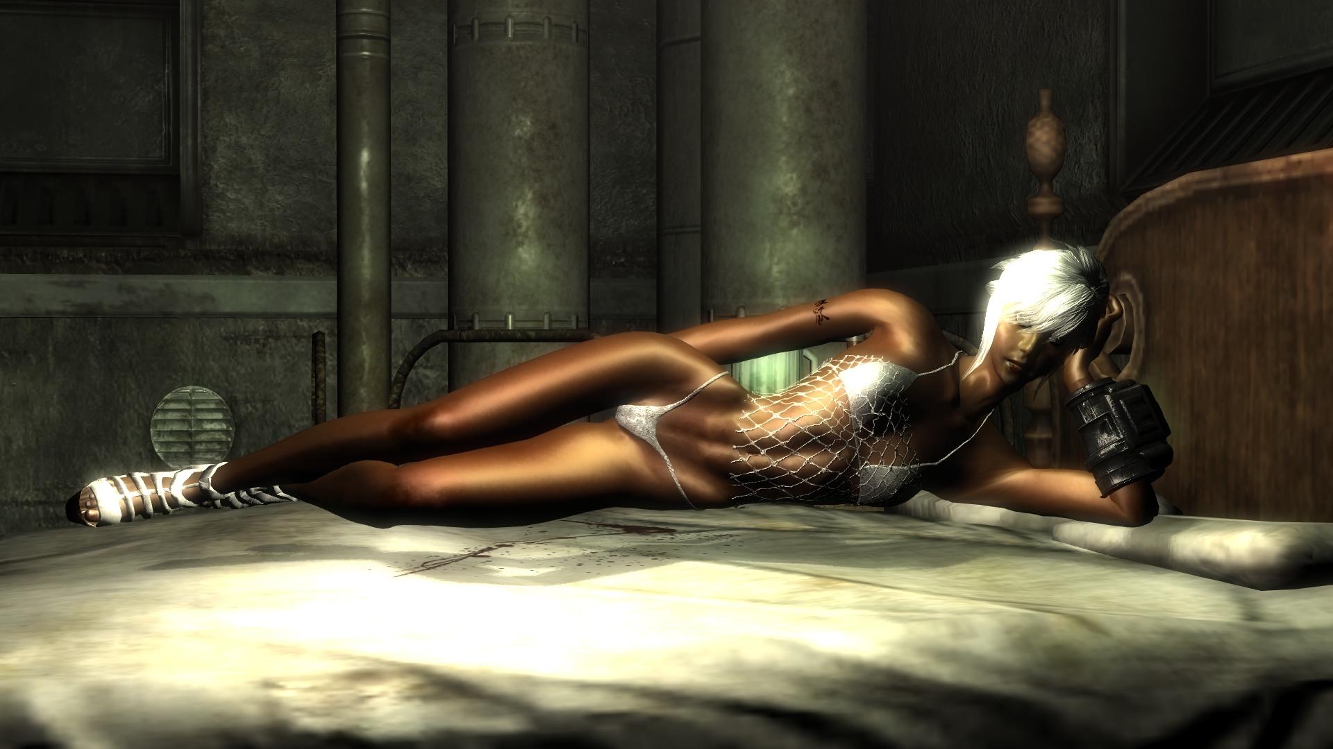 NEOX GAMES Una joven se desnuda mientras jugaba
