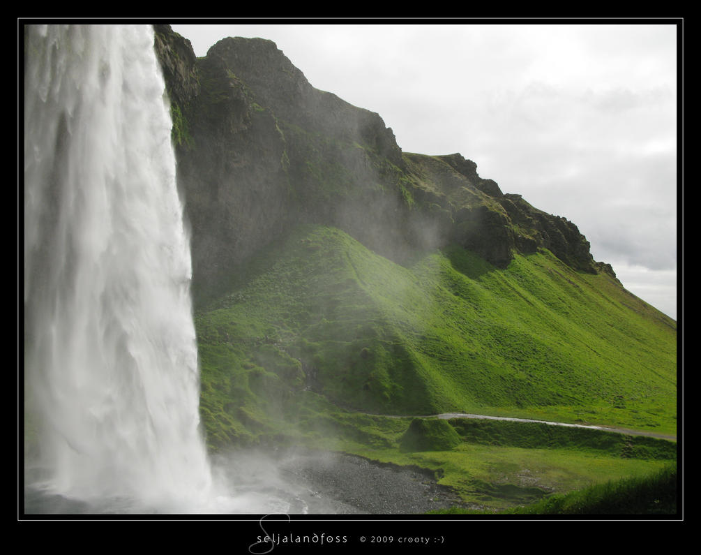 Seljalandsfoss by Crooty