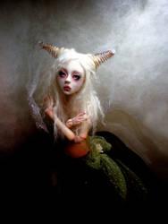 Creepy doll Ball jointed DD by cdlitestudio