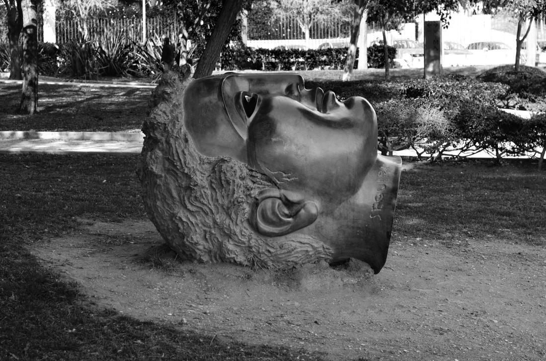 Mythological head by roodpa