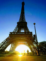 Eiffel Tower early morning  by Monomakh