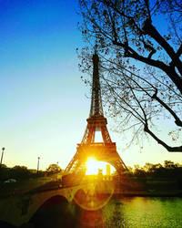 sunrise at Eiffel Tower  by Monomakh