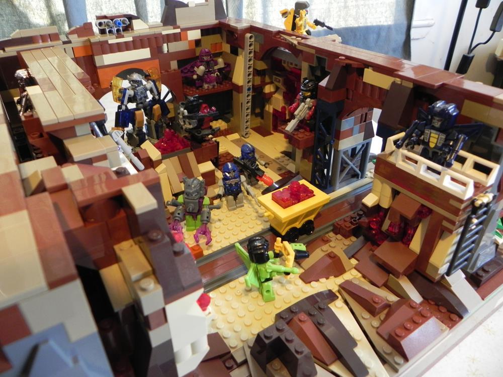 Kre-O/LEGO Ruby Crystal Mine by Boltax