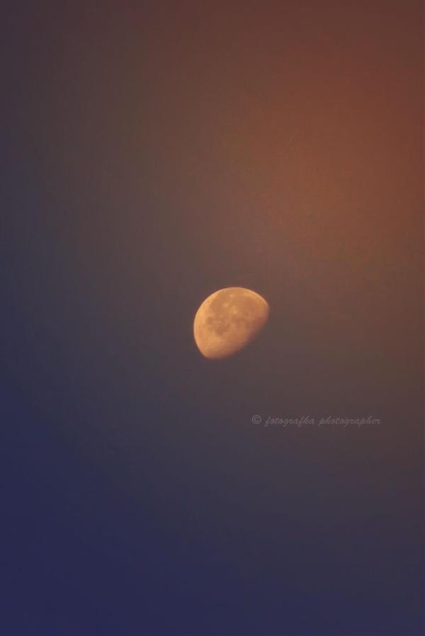 Moon by fotografka