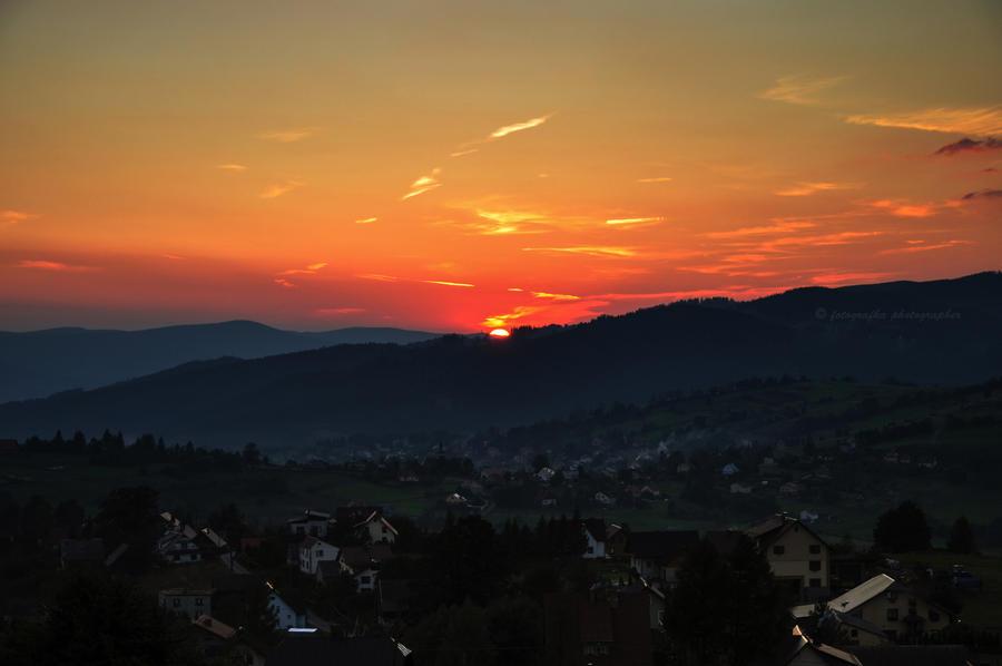 Sunny village by fotografka