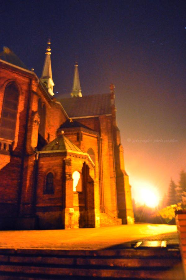 Church at night by fotografka