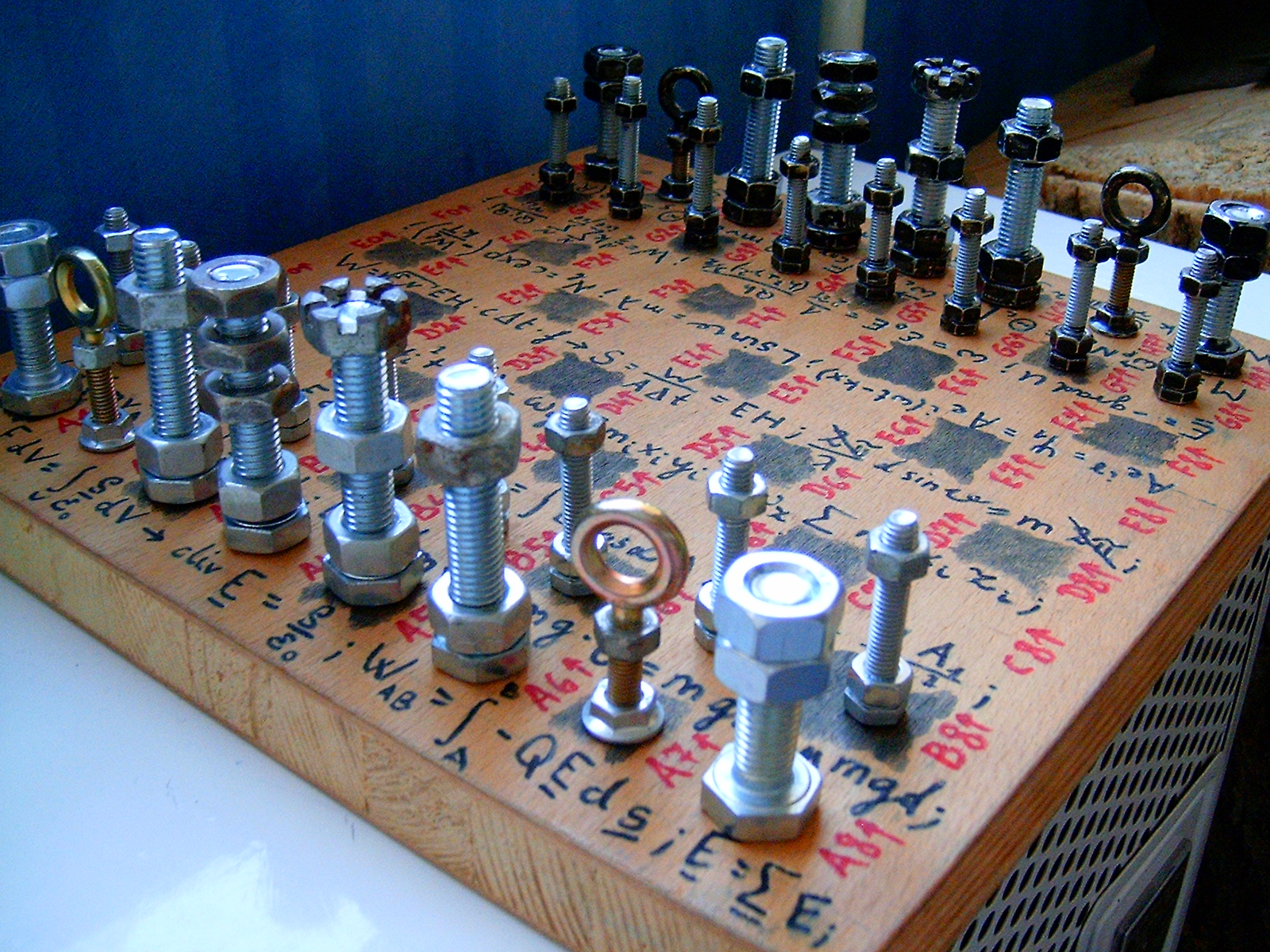 Шахматные фигуры своими руками фото