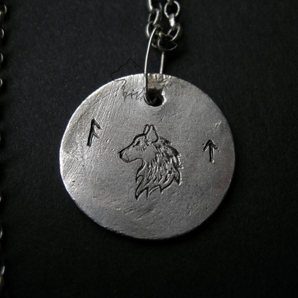 Wolf charm by Dark-Lioncourt
