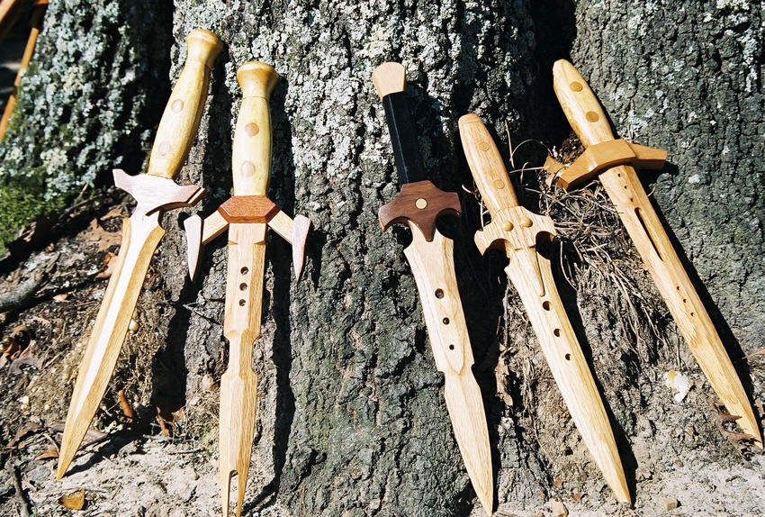how to make wooden weapons