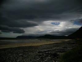 Iceland Beach by oloferla