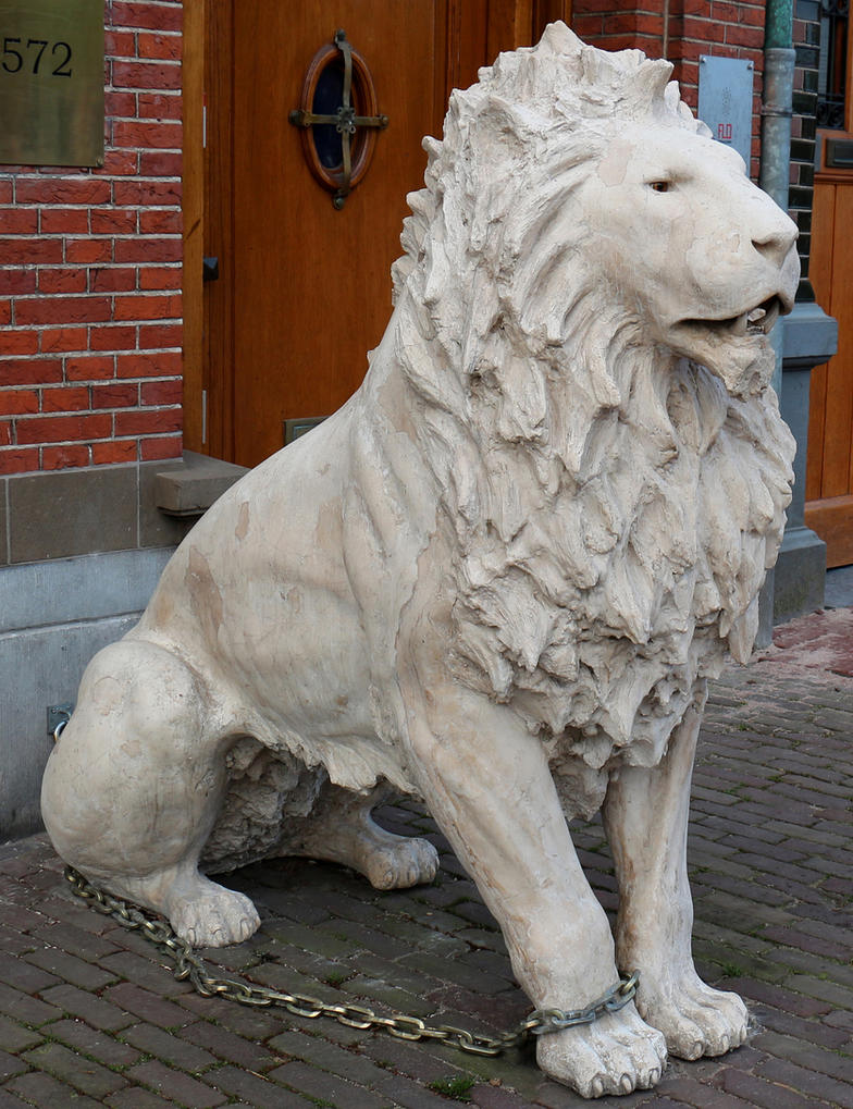 Object 37 - lion statue by Momotte2stocks