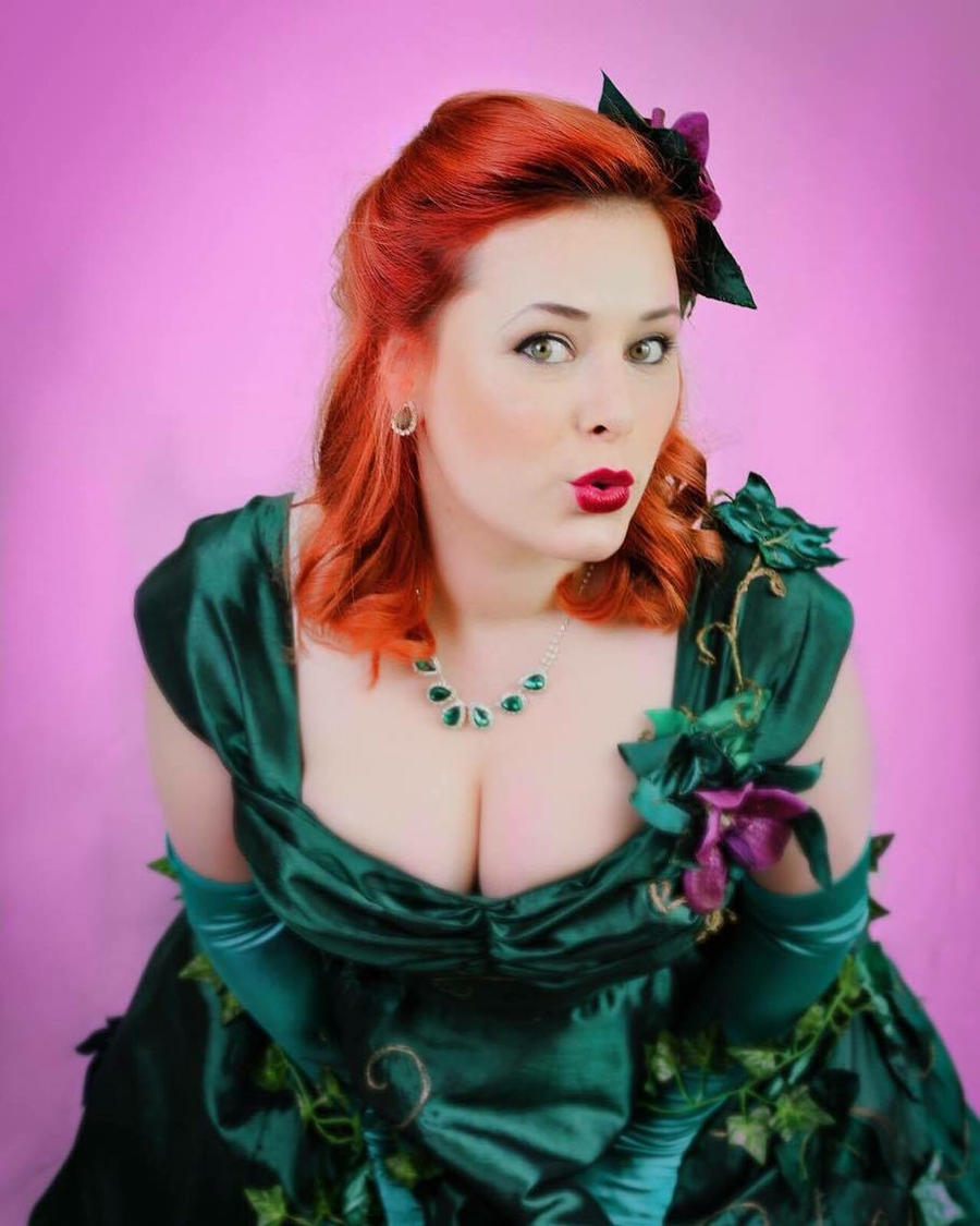 Pin Up Poison Ivy by TheCuckooEmporium