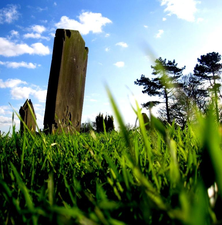 Gravestone by geewizard