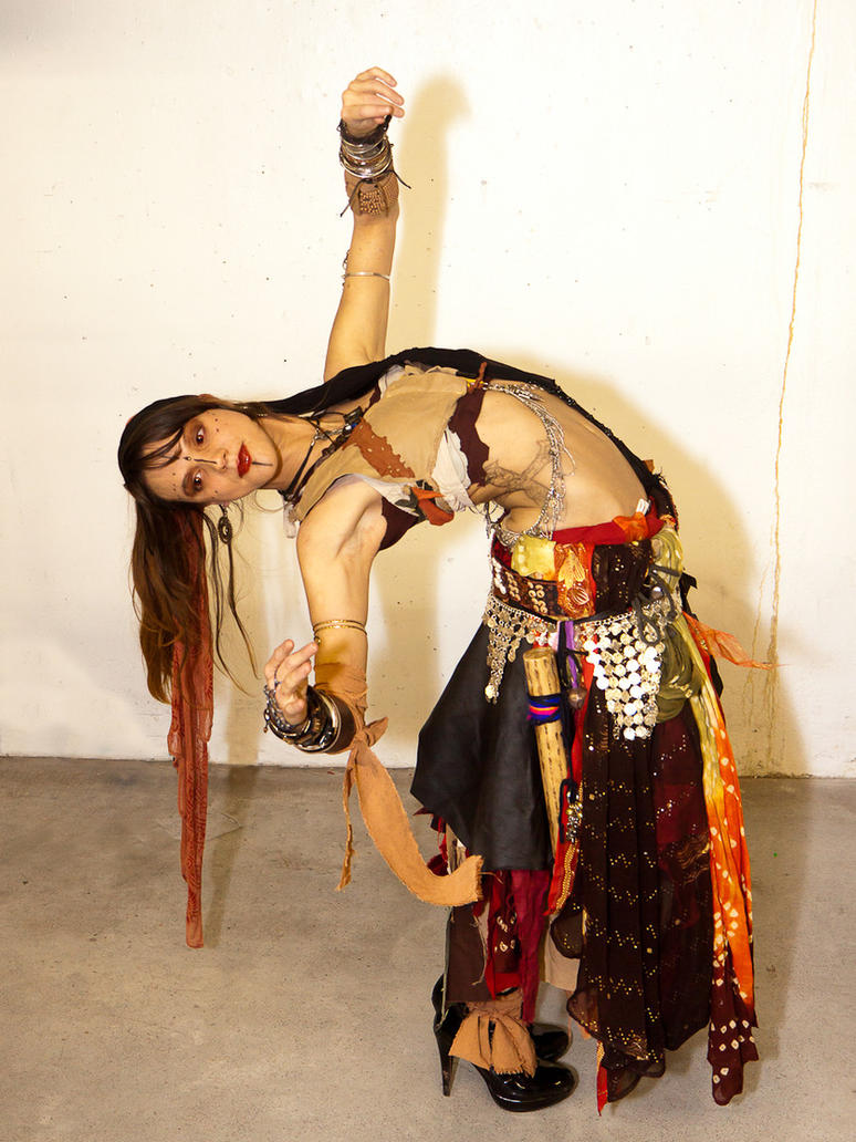 a dancing ravnos by feevagabonde