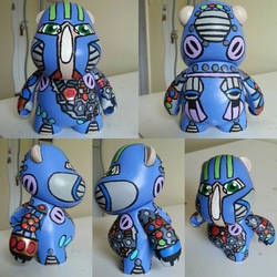 hippo robot munny  by Queensone