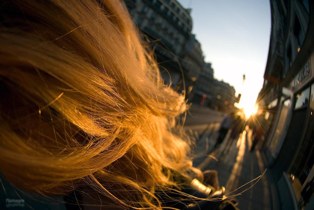 Rivoli sunset by fluosaure