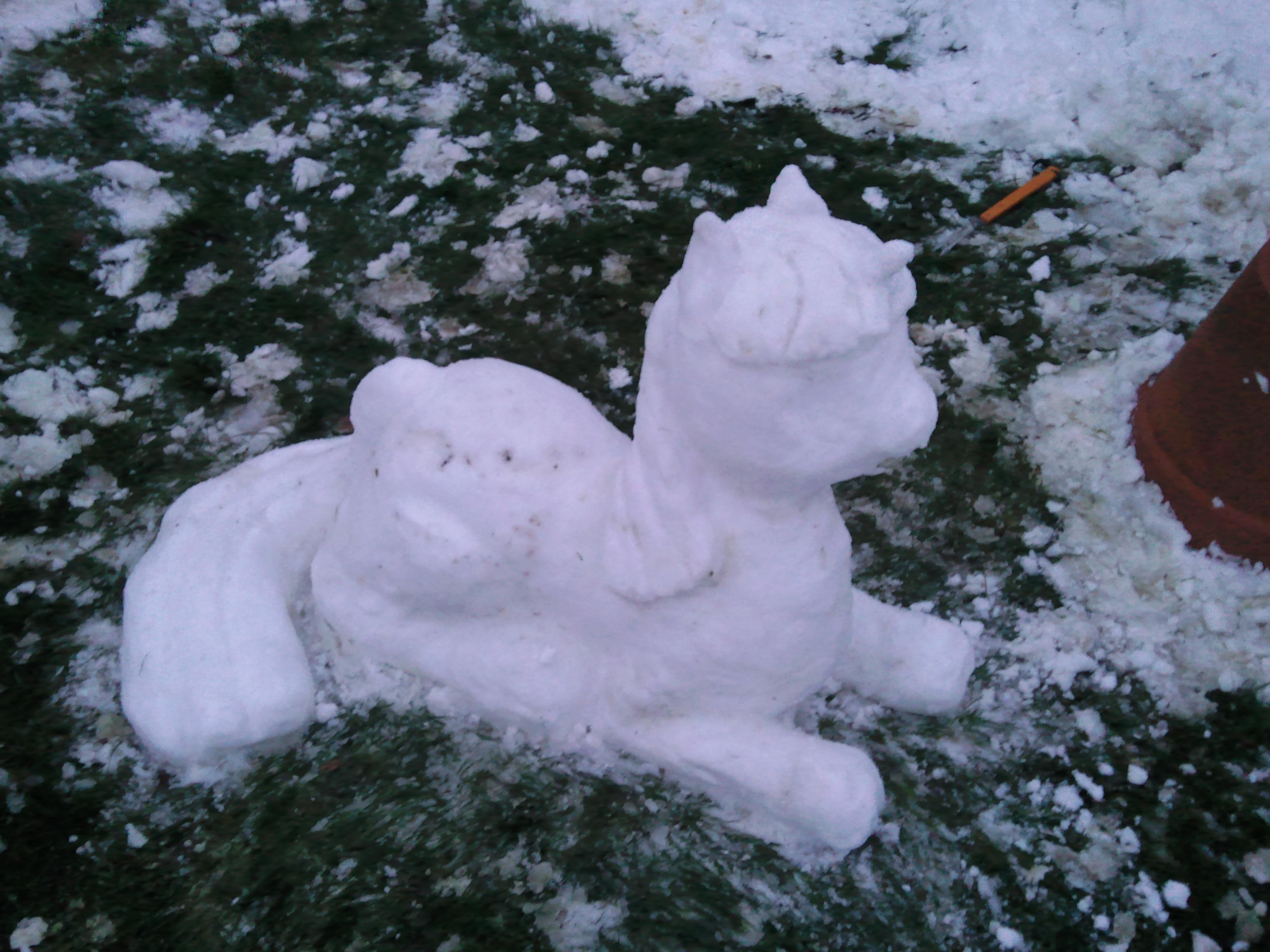 Twilight Sparkle is best snow pony by SerenaKKS