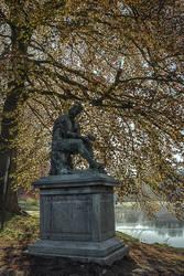 Statue parc Enghien HDR