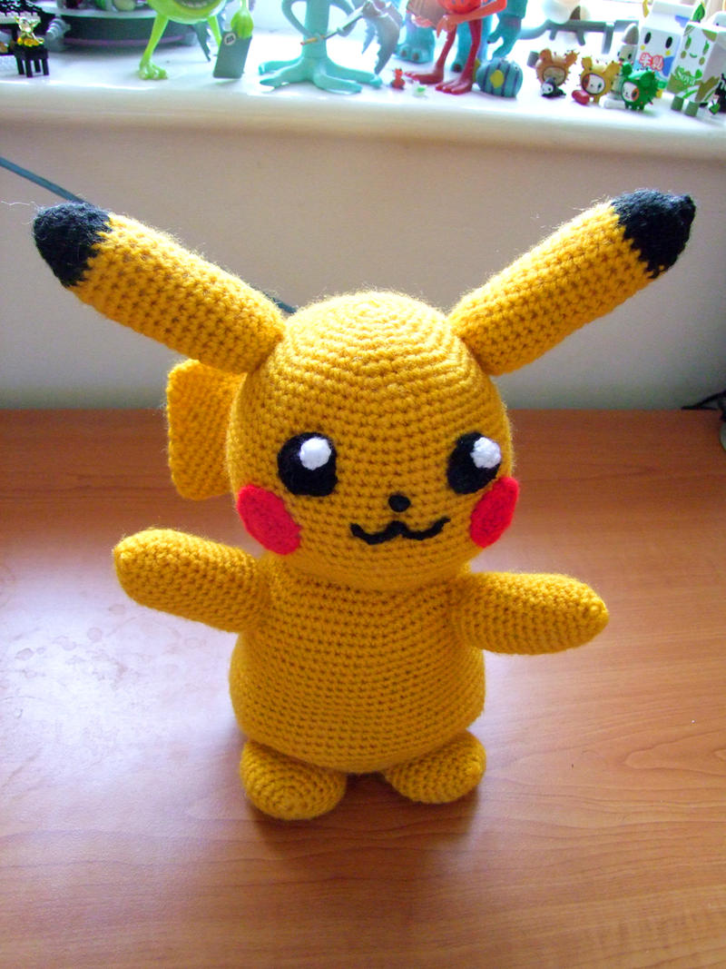 Pikachu from 'Pokemon', amigurumi pattern by AradiyaToys on DeviantArt | 1067x800