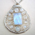 Pendant - Moonstone in Silver