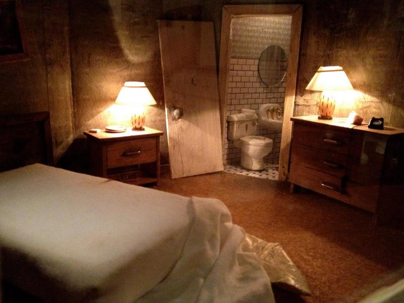 Motel Room by kahoxworth