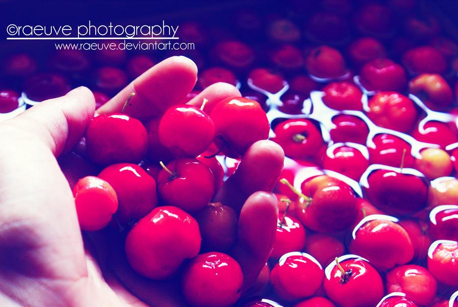 red like cherries by raeuve