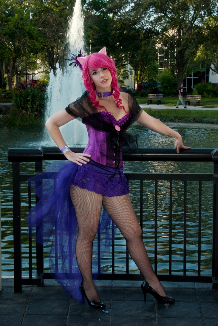 Megacon 2013 - Burlesque Pinkie Pie 8 by kitsune-keitaro