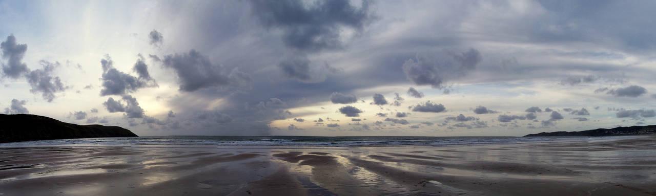 Britain's Crowded Beaches by iia02dennisg