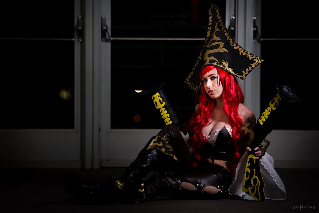 Miss Fortune League of Legends Cosplay by Nyant